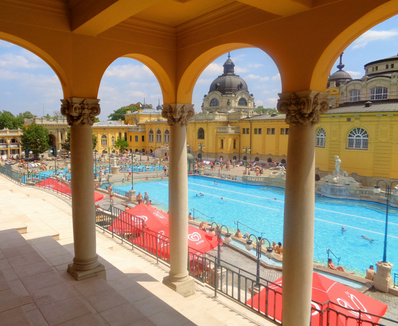 匈牙利布达佩斯:享受文化温泉浴