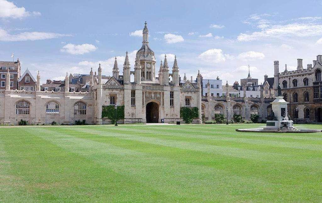 英国剑桥学姐提供留学帮助服务